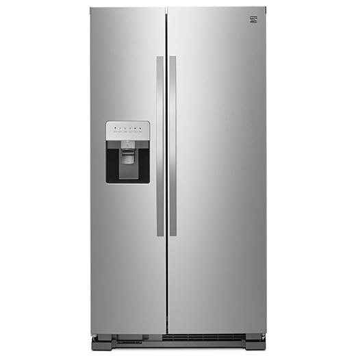 Refrigerator with Ice Maker